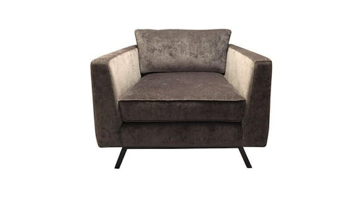 How Stunning Is Our Weiman Velvet Chair?!